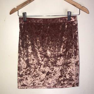 Short mauve skirt
